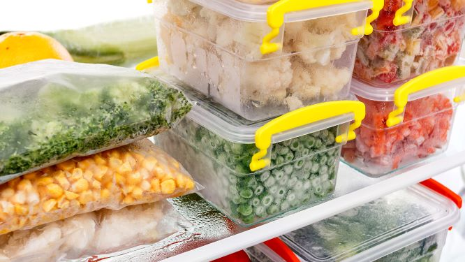 Food storage in freezer
